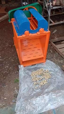Mesin pipil kacang tanah