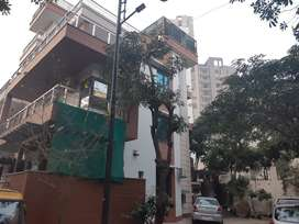 INDEPENDENT HOUSE - VILLA FOR SALE IN GURGAON 6BHK WITH CAR PARKING