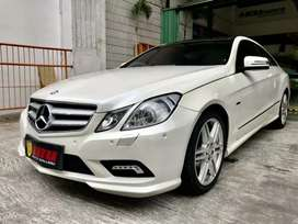 MERCEDES BENZ E250 COUPE AMG PACKAGE 2011 WHITE ON RED PANORAMIC