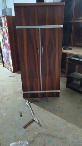 New wooden almira size 5.5 ft (delivery free Gurgaon