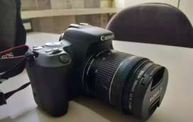 Camera canon 200d two lines