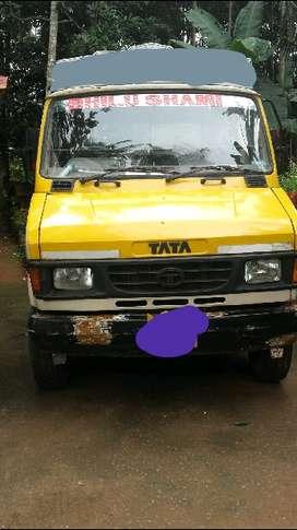 tata407. six wheel
