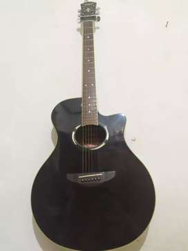 Gitar acaustik merk yamaha 500 ii
