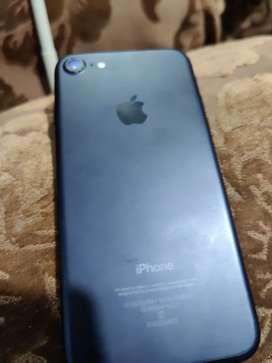 Iphone 7 mint condition battery health 100%