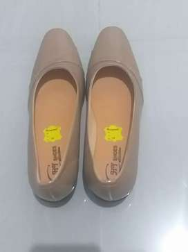 Sepatu Kerja Wanita (pantofel)