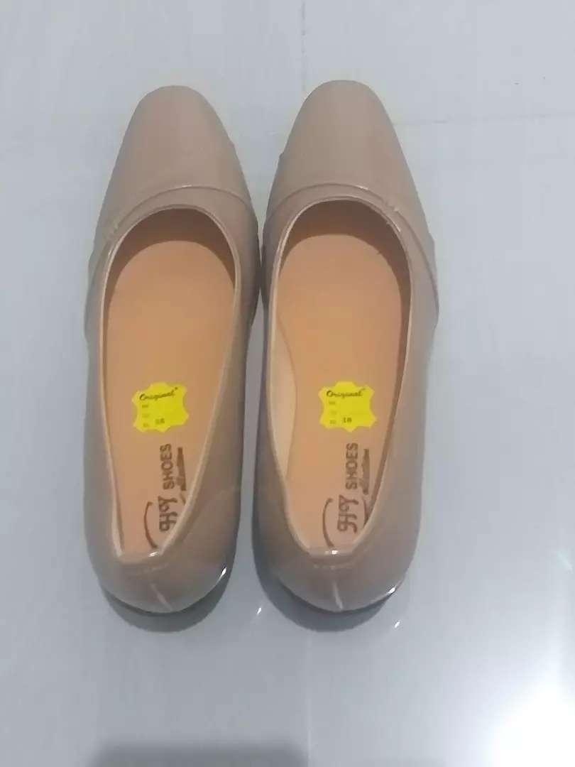 Sepatu Kerja Wanita (pantofel) 0