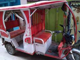 E-rickshaw with new battery Rs95000