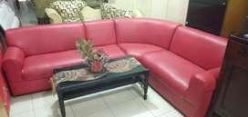 OLALA. Sofa sudut merah mewah + meja