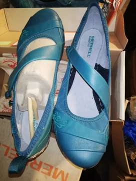 Imported shoes available in 1000