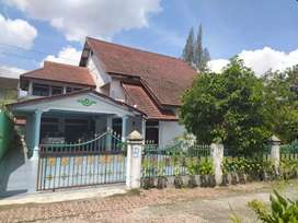 Dijual rumah mewah full furniture di flamboyan raya