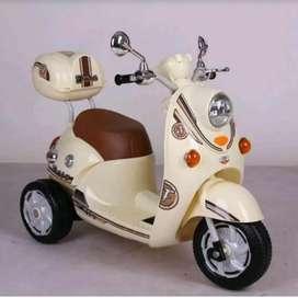 MOTOR AKI SCHOOPY