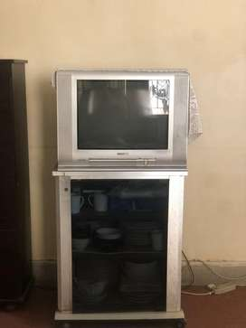 Toshiba tv with trolly in very good condition