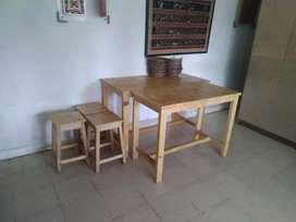 Meja dan Kursi Kayu ( Jual Cepat)