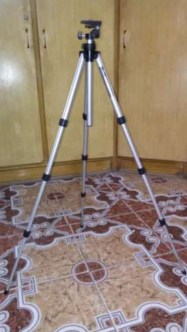 Tripod stand 3 ft 4 inches