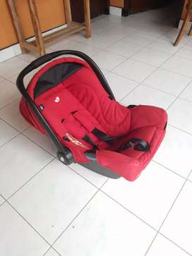 red carseat joie