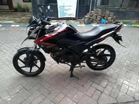 Honda CB150R Tahun 2014 Hitam Metalic