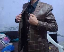 very neat 3 piece suit used only one day