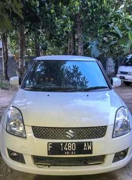 Dijual mobil suzuki swift putih metalik plat F tahun 2011