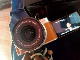 Fujifilm xa7 mirrorless camera dslr 1 month old 2 years warranty