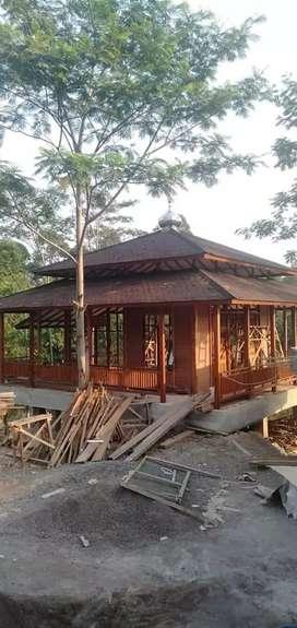 Musholla kayu atap genteng