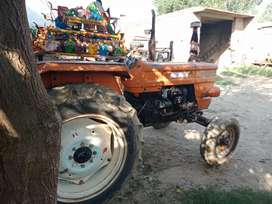 Fiat tractor with hall
