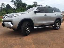 Toyota fortuner SRZ 2.7 bensin 2016 AT silver metallic