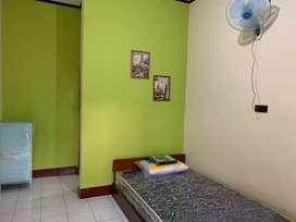 Disewakan kamar kost untuk pegawai & karyawan (laki-laki) di Ampenan