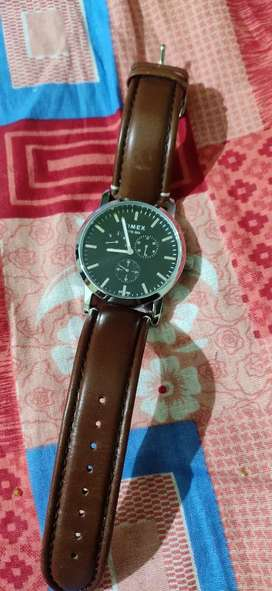TIMEX WATCH BOUGHT YESTERDAY SELLING NOW URGENT MONEY NEEDED RS 3000