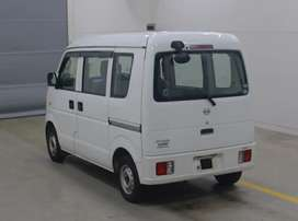 Nissan cliiper every pearl white auction sheet wala