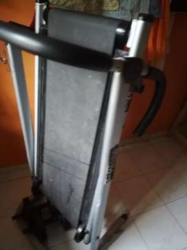 Treadmill to sell urgently
