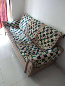 Need to sell sofa urgently