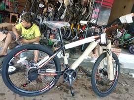Sepeda gunung merek trek ukuran 27.5