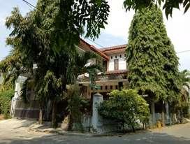 Rumah siap huni cocok untuk usaha strategis Rp.1.625M surabaya barat