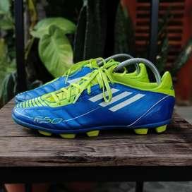 Sepatu Nola Adidas F5 TRX HG Blue Volt