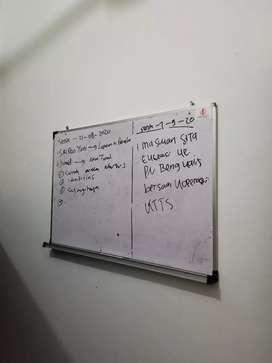 papan tulis kecil
