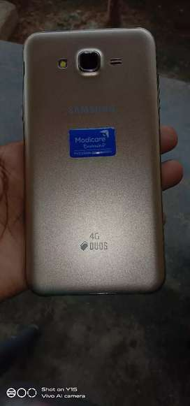 J7 mobile good condition