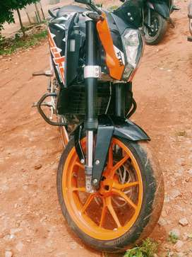 Duke 200 cc model 2014 with good condition a week ago serviced