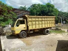 Mobil truk Mitshubisi