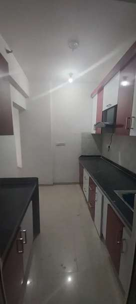 3 bhk flat available