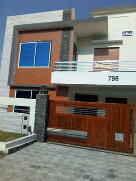 Brand new house available 2 crore 80 lac