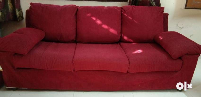 Kurl on branded sofa set 2016 modal.