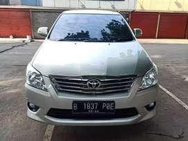 Toyota Innova V Diesel AT 2012