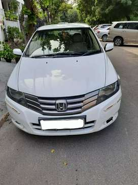 Honda City IVTEC - MANUAL Top Model