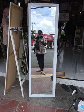 cermin standing belakang