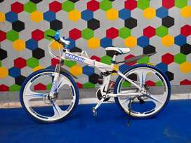 M. B 21 SHIMANO GEARS MACWHEEL BICYCLE