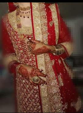 only 1 time used Banarsi lengha full embroidery beautiful wedding dre