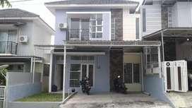 Dijual Cepat Rumah 2 Lantai Cluster De Castarica Balikpapan Regency