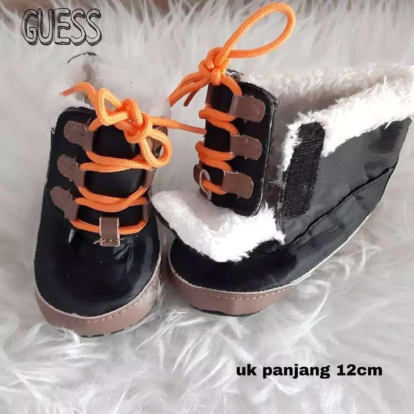 Sepatu Bayi Guess 0