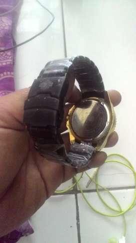 Jam tangan kombinasi