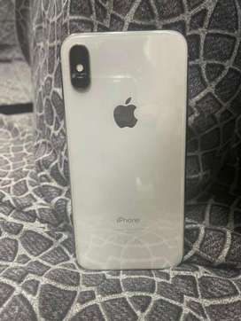 Iphone X , 9/10 white  64 GB.  with box 100% original , pta approved